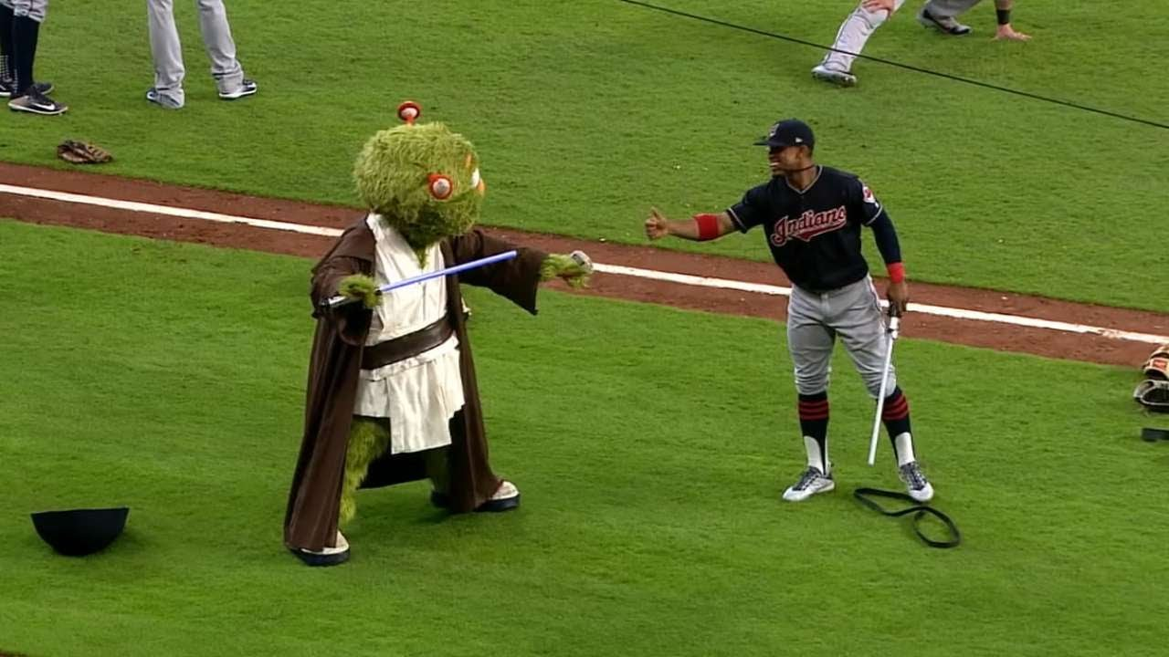 CLEHOU Lindor and Orbit duel with lightsabers - CLE@HOU: Lindor and Orbit duel with lightsabers